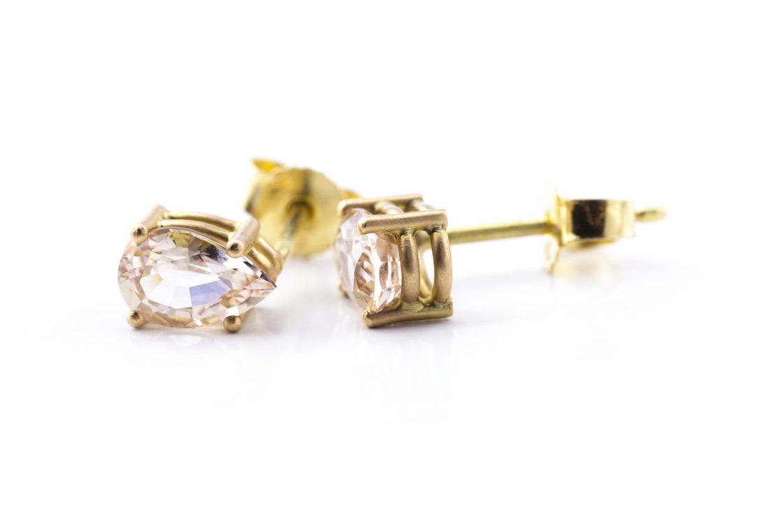 Ohrringe in Gelbgold 750/- mit Morganit